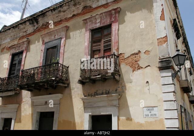 Puerto Rico Old San Juan Calle de San Justo architecture balconies - Stock Image