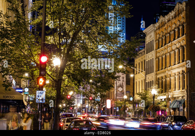 Chicago Illinois River North downtown North Clark Street night nightlife buildings - Stock Image