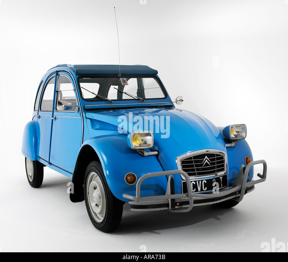 citroen 2cv classic stock photos citroen 2cv classic stock images alamy. Black Bedroom Furniture Sets. Home Design Ideas