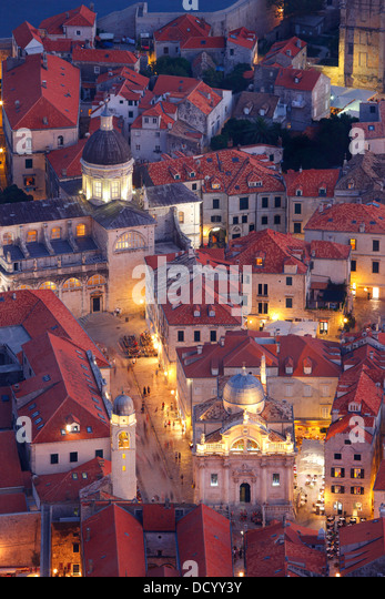 Dubrovnik Croatia. Luza square and Cathedral of the Assumption of the Virgin Mary (down right) - Stock-Bilder