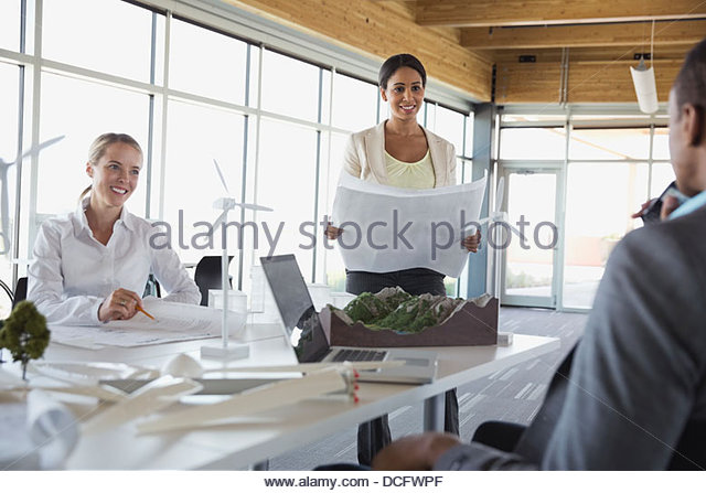 Energy engineers working together - Stock Image