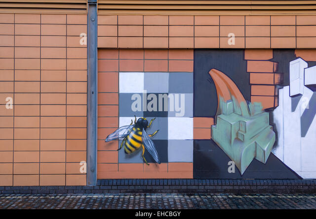 Bee mural stock photos bee mural stock images alamy for England wall mural