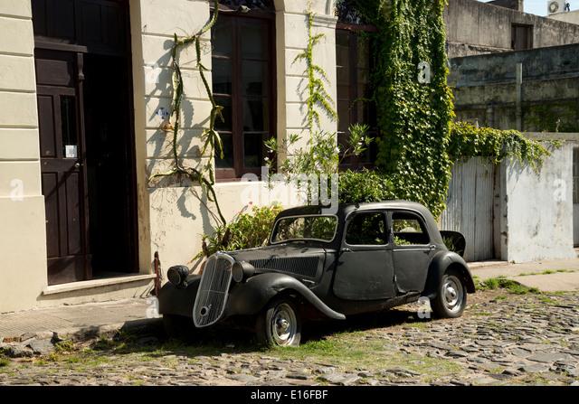 Old cars in Colonia del Sacramento, Uruguay - Stock Image