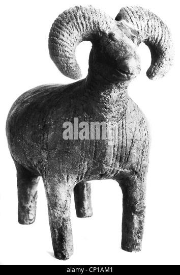 fine arts, Stone Age, clay ram figure, by Jordan¾w Slaaski, (Jordansmuehl) , from Silesia (Poland), Muzeum - Stock-Bilder