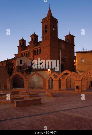 Spain, Aragon, Zaragoza, Torralba de Ribota, Saint Felix, listed as World Heritage by UNESCO, overview and church - Stock Image
