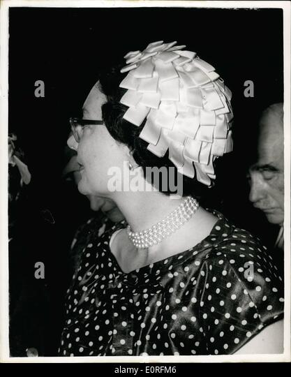 Jun. 06, 1959 - The Westminster Tiara sold for 110,000 Gns.. The famous Westminster Tiara, which contains the great - Stock Image