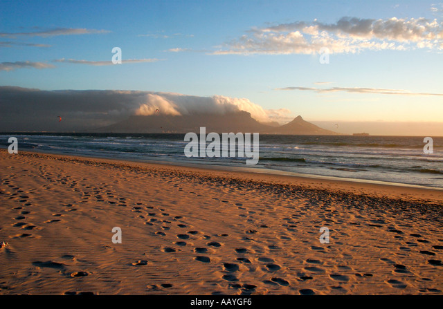 south africa cape town blouberg beach  table mountain sunset - Stock Image