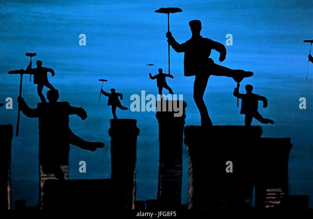 CHIMNEYSWEEP DANCE SCENE MARY POPPINS (1964) - Stock Image