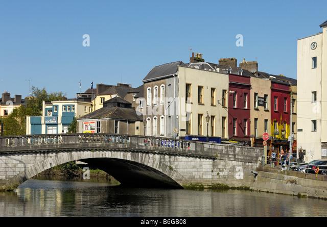 Parliament bridge Lee river Cork city - Stock-Bilder