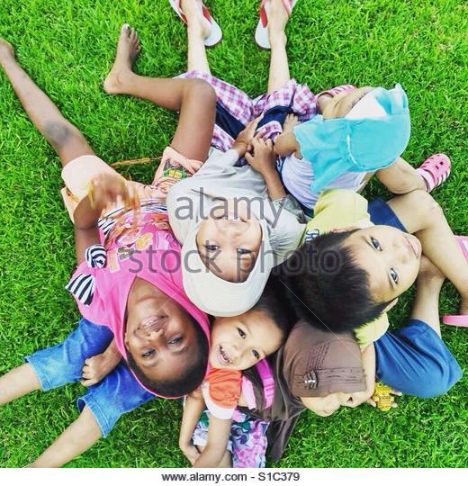 Friendship knows no color - Stock-Bilder