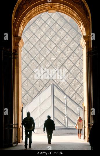 I.M. Pei pyramid at the Louvre Museum Paris France - Stock-Bilder