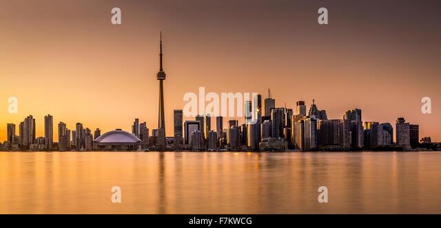 Toronto panorama at sunset viewed from Harbor Island Park - Stock Image