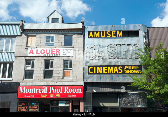 Montreal Pool Room, a famous hot dog restaurant opened in 1912.  Montreal, province of Quebec, Canada. - Stock Image