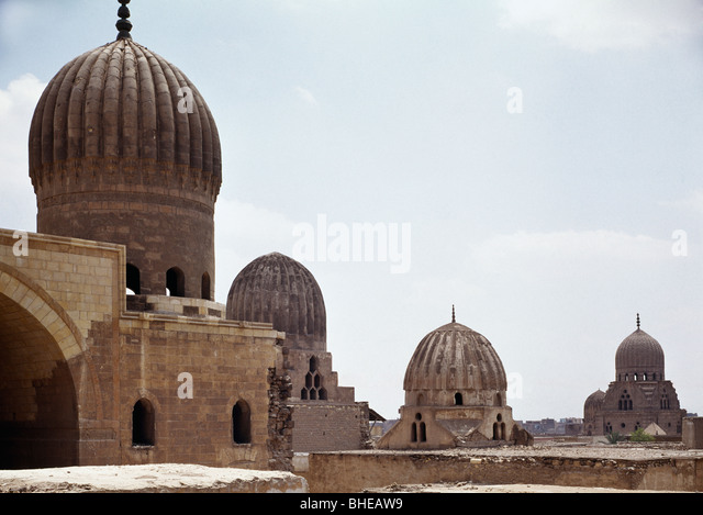 Domes of Madrasa Sultaniya, (c.1370 ad), of Qsun (c.1320), Cairo, City of the Dead. - Stock Image