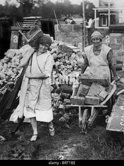 Truemmerfrauen, literally wreckage women, historic photograph, around 1947 - Stock Image