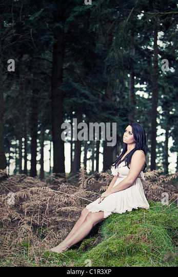 Pretty Teenager in Forest - Stock-Bilder