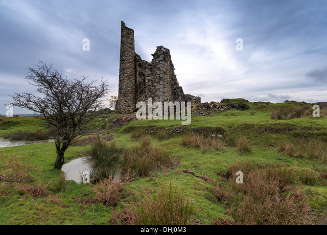 The ruins of an old tin mining engline house on at Minions on Bodmin Moorin Cornwall - Stock Image