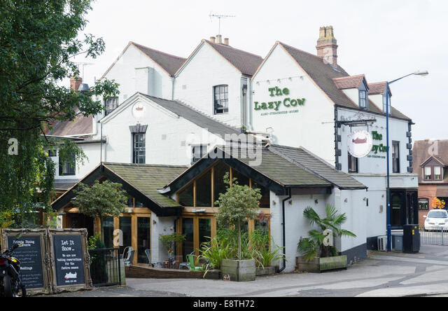 The Lazy Cow bar and steakhouse in Warwick - Stock Image