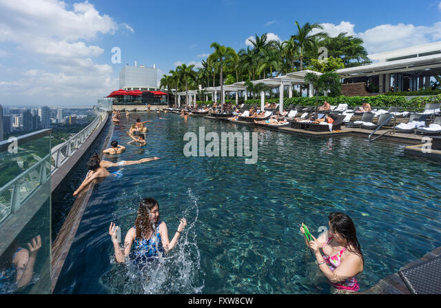 marina bay sands pool stock photos marina bay sands pool stock images alamy. Black Bedroom Furniture Sets. Home Design Ideas