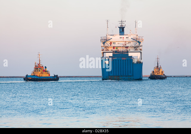 ship ro-ro tug boat stern - Stock Image