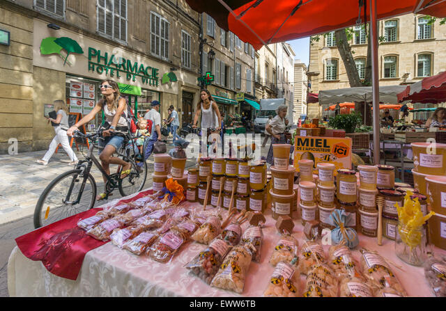 Market , Place Richelme, Products of Provence, Marmelade, Miel,  Fruits and Vegetables, Aix en Provence, Bouche - Stock Image
