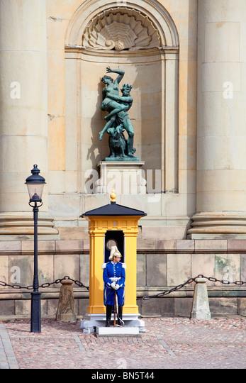 Stockholm Sweden. Female Guard outside Royal Palace. - Stock Image