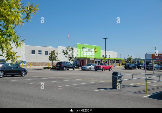 Neighborhood Walmart Market grocery store, Montgomery, Alabama, USA. - Stock Image