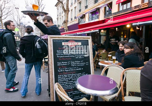 Brasserie paris street drink stock photos brasserie for Restaurant bastille terrasse