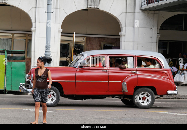 Oldtimer in Havanna Center on Paseo de Marti near Capitol, Cuba - Stock Image