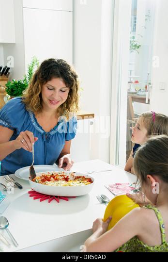 Family Having Dinner - Stock-Bilder
