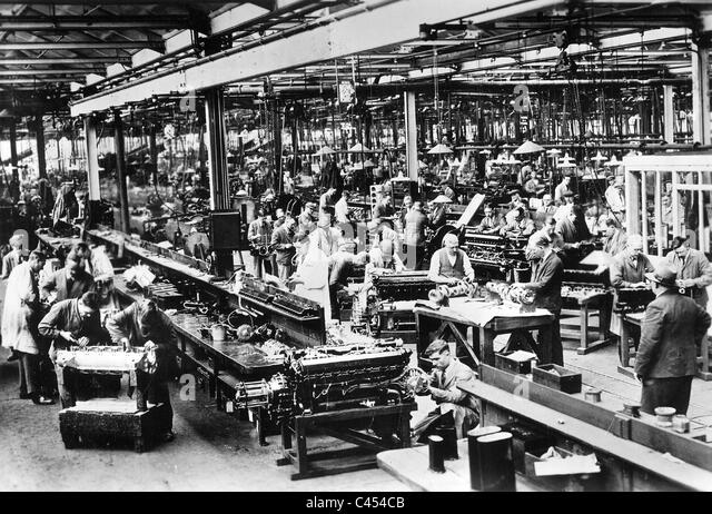 English car production, 1934 - Stock Image