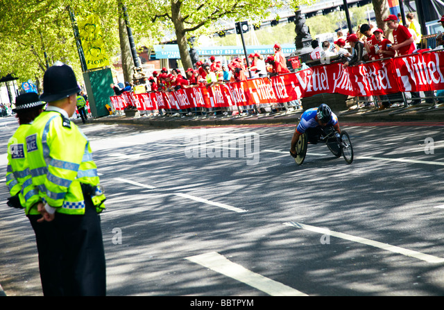 paraplegic athelete, London marathon - Stock Image
