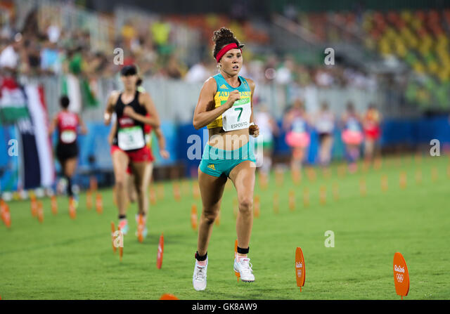 Rio De Janeiro, Brazil. 19th Aug, 2016. Australia's Chloe Esposito competes during the combined running/shooting - Stock-Bilder
