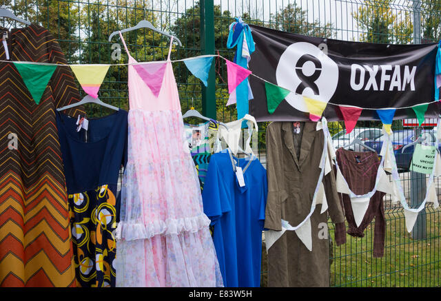 Oxfam clothes stall at The Festival of Thrift, Lingfield Point, Darlington, England, UK - Stock-Bilder