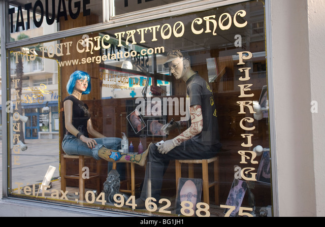 Tatoo shop stock photos tatoo shop stock images alamy for Tattoo shops in annapolis