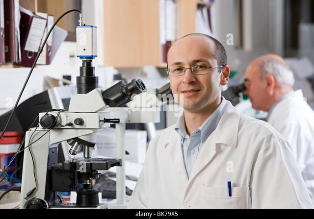 Technician in laboratory - Stock Image