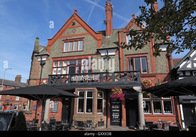 Mulberry Tree Pub,Stockton Heath,South Warrington,Cheshire,England,UK - Stock Image