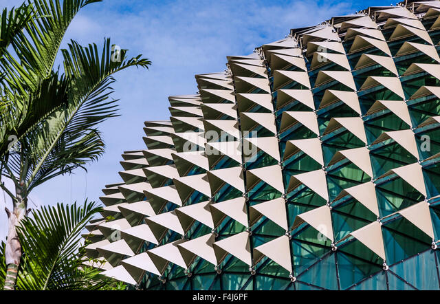 Singapore, detail view of the aluminium sunshade ornamented roof of the performance arts complex Esplanade, Theatres - Stock Image