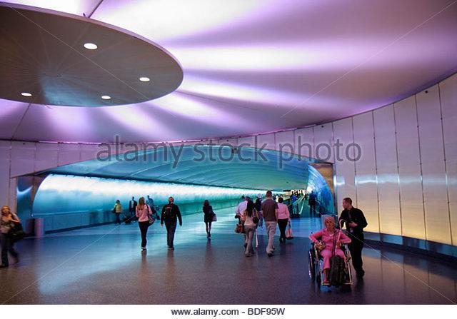 Michigan Detroit DTW Detroit Metropolitan Wayne County Airport transportation gate arrival departure concourse airlines - Stock Image