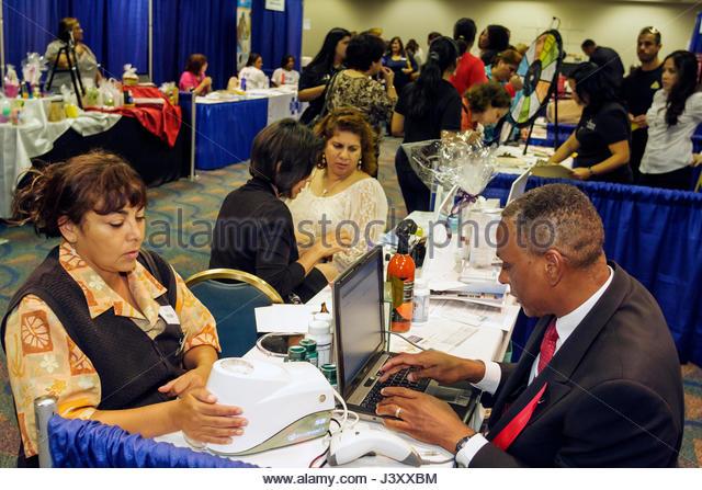 Miami Florida James L. Knight Center centre Women's Heart Health Fair Sister to Sister Foundation health prevention - Stock Image