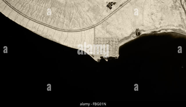 historical aerial photograph of Bombay Beach, California Highway 111, Salton Sea, Imperial County, California, 1985 - Stock Image
