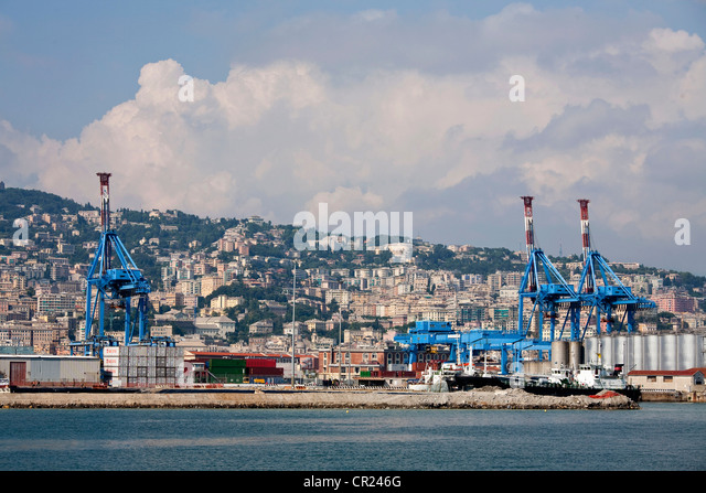 Shipping containers at dockyard - Stock Image