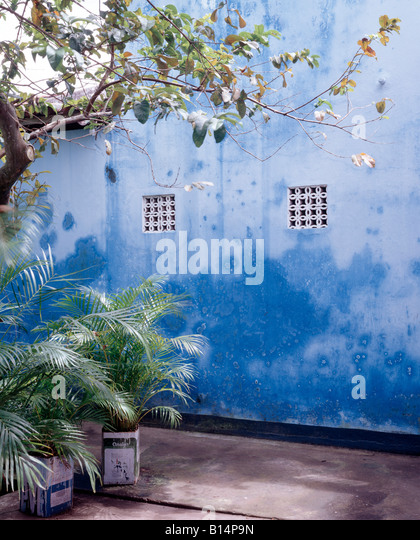 Blaue Fenster Stock Photos & Blaue Fenster Stock Images - Alamy