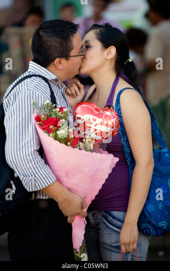 Couple meeting at san Valentine day Santiago de Chile - Stock Image