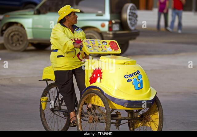 Ice cream vendor in Lima - Peru - Stock Image