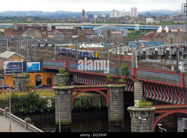 Bridges at Glasgow Central taking trains over the Clyde river, Scotland, UK - Stock Image
