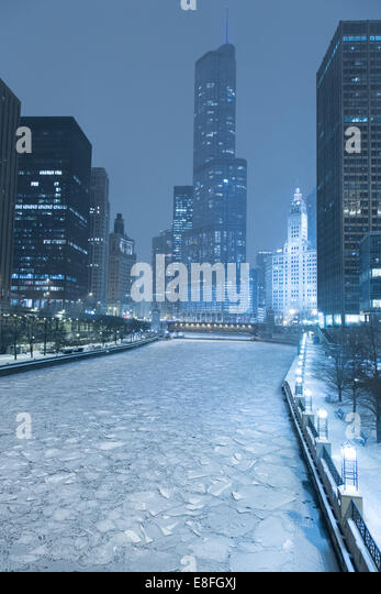 Usa, Chicago, Chicago River Frozen over - Stock Image
