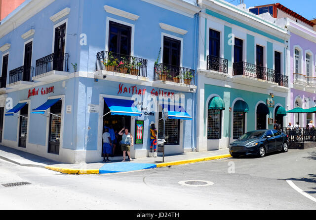 Puerto Rico, Old San Juan, Street with typical Colonial architecture - Stock Image
