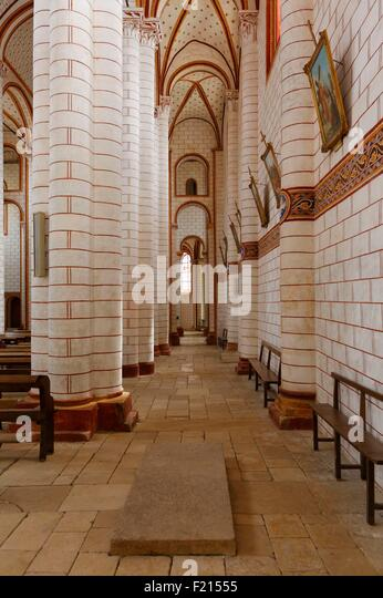 France, Vienne, Chauvigny, polychrome decoration of the Saint Pierre collegiale church, which began in the 11th - Stock Image