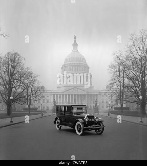 Ford Motor Company's luxury car, the Lincoln, at Capitol in Washington, D.C. This hard top coupe had seats for - Stock Image